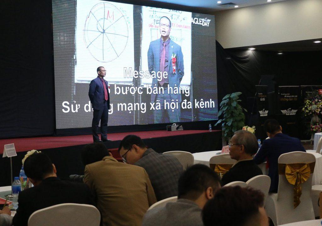 Luật sư-Diễn giả Phạm Thành Long chia sẻ kiến tại Eagle Day