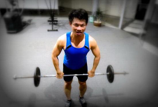 Để khỏe mạnh, anh Long rất chăm chỉ luyện tập thể thao