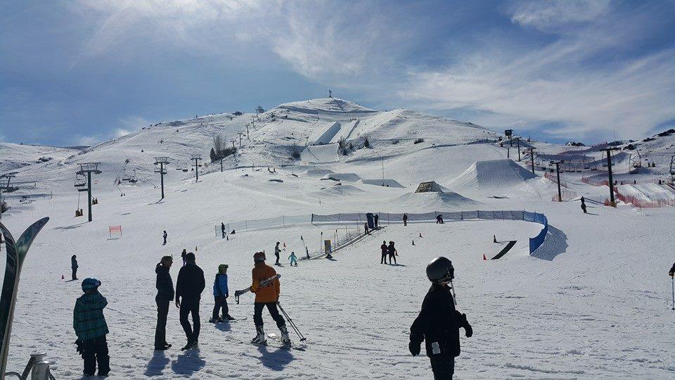 Diễn giả – Luật sư Phạm Thành Long trượt tuyết tại Sun Valley