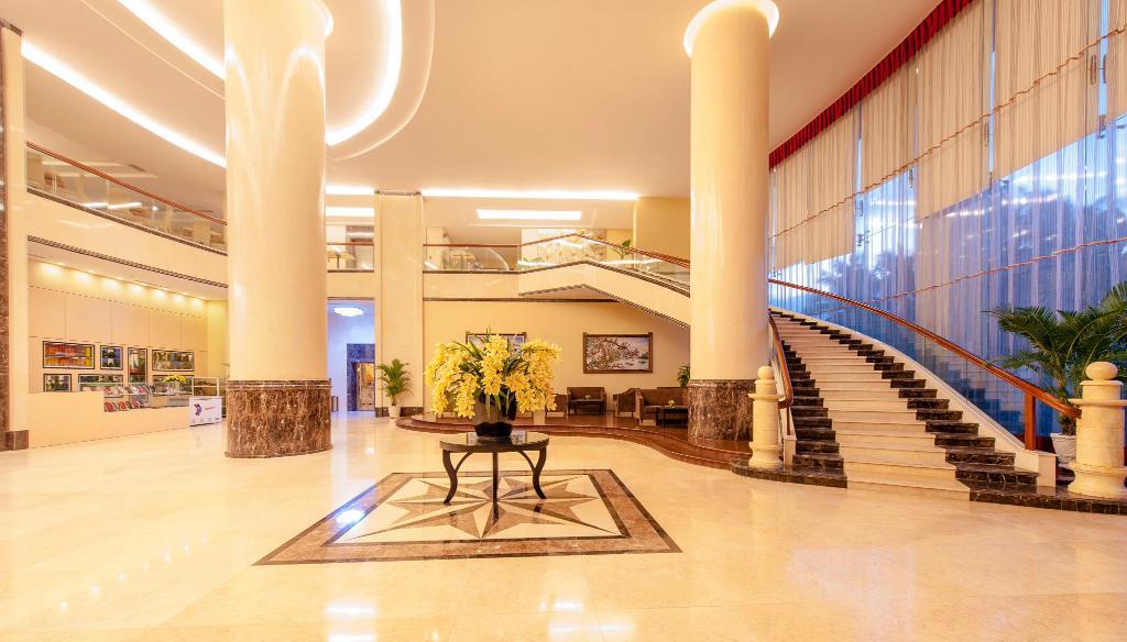 Đoàn Eagle Caravan nghỉ tại khách sạn Mường Thanh Grand