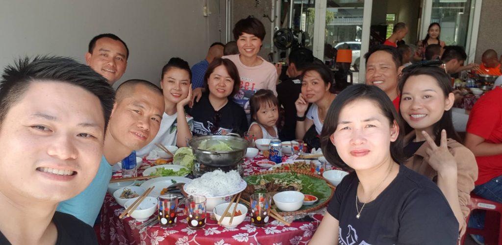 Đoàn Eagle Caravan thăm nhà chị Lê Phương Anh