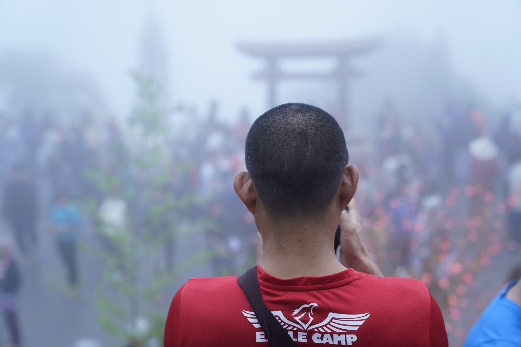 Đón ngày mới trên chùa Linh Quy Pháp Ấn trong hành trình Eagle Caravan