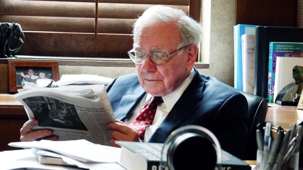 Tỷ phú Warrent Buffett dàng 80% thời gian trong ngày để đọc sách