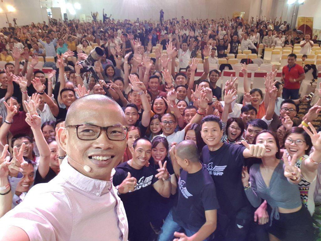 Hơn 1000 con người tại chương trình Đánh thức sự giàu có 39 Hồ Chí Minh và còn nhiều hơn nữa