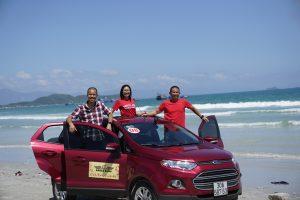 Phạm Thành Long và VI Tiến Hoàng trong chuyến đi Eagle Caravan