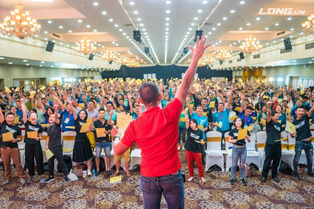 Phạm Thành Long tổ chức chương trình với số lượng người tham gia đông nhất Việt Nam
