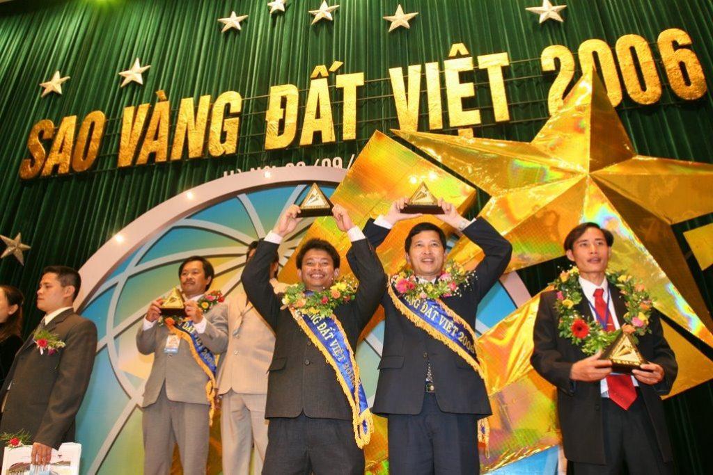 Luật sư Phạm Thành Long đạt giải thưởng Sao Vàng Đất Việt