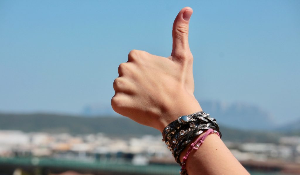 10 suy nghĩ khác biệt của những người tích cực và tiêu cực