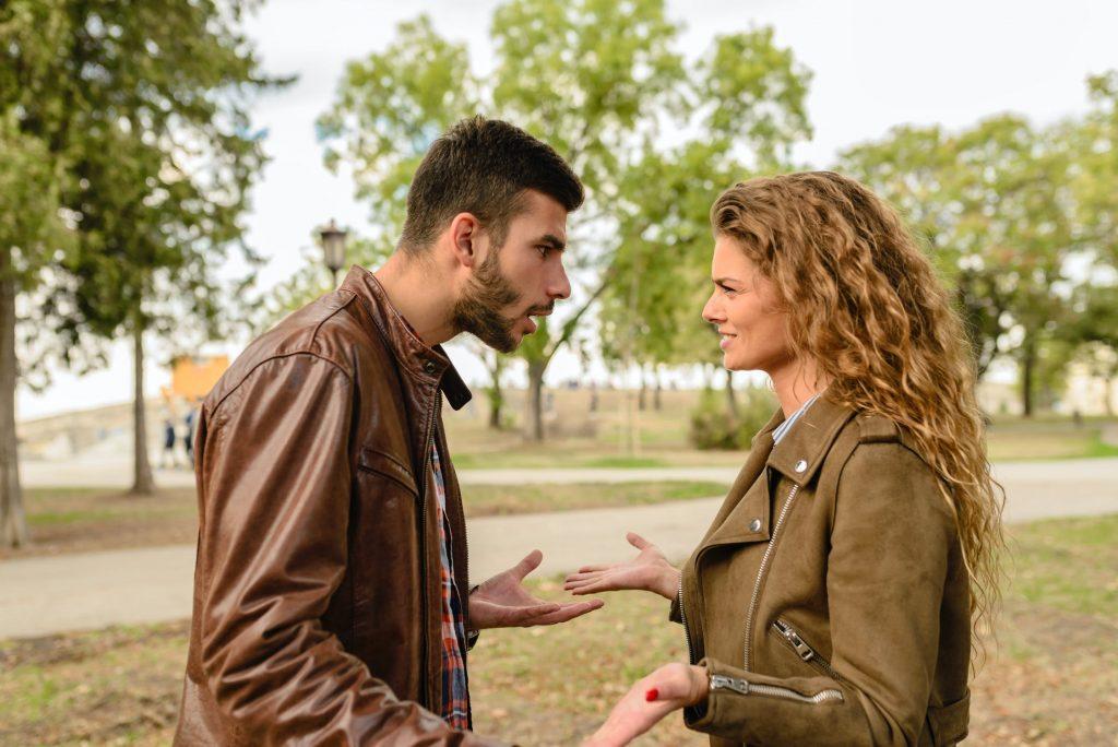 Tránh tranh cãi Đúng Sai trong giao tiếp