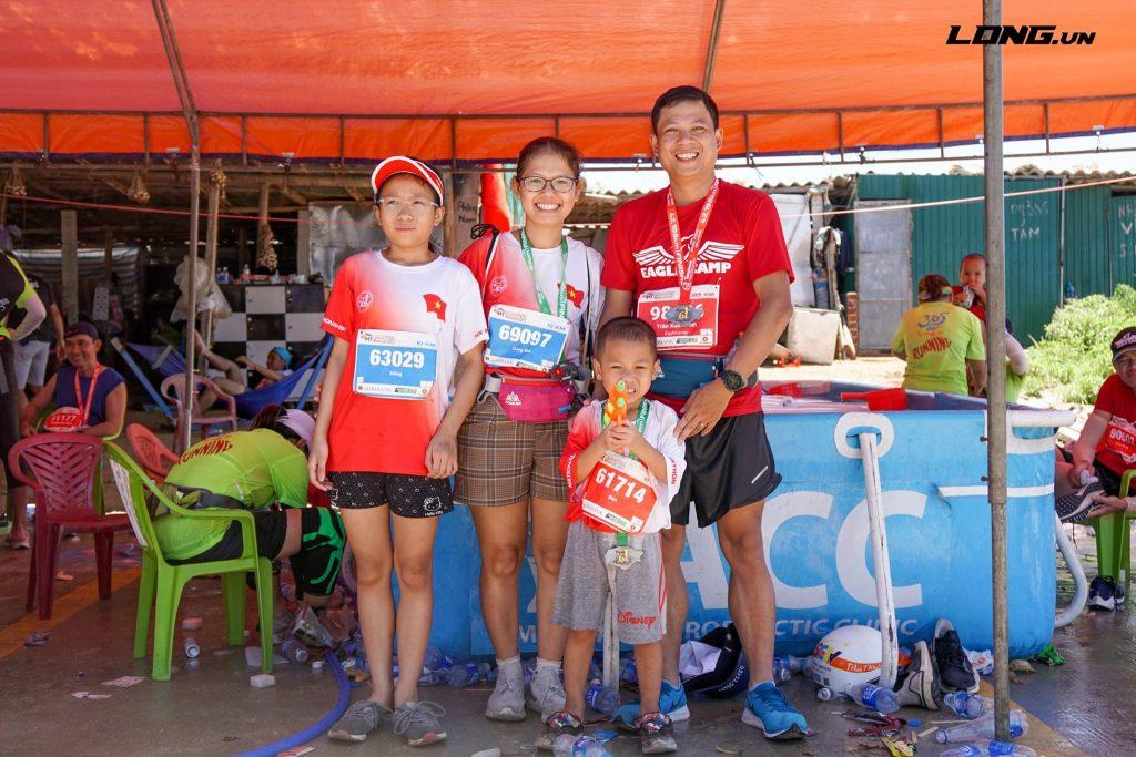 Cả gia đình cùng đạt huy chương nhờ sự truyền cảm hứng mạnh mẽ từ người thầy Phạm Thành Long
