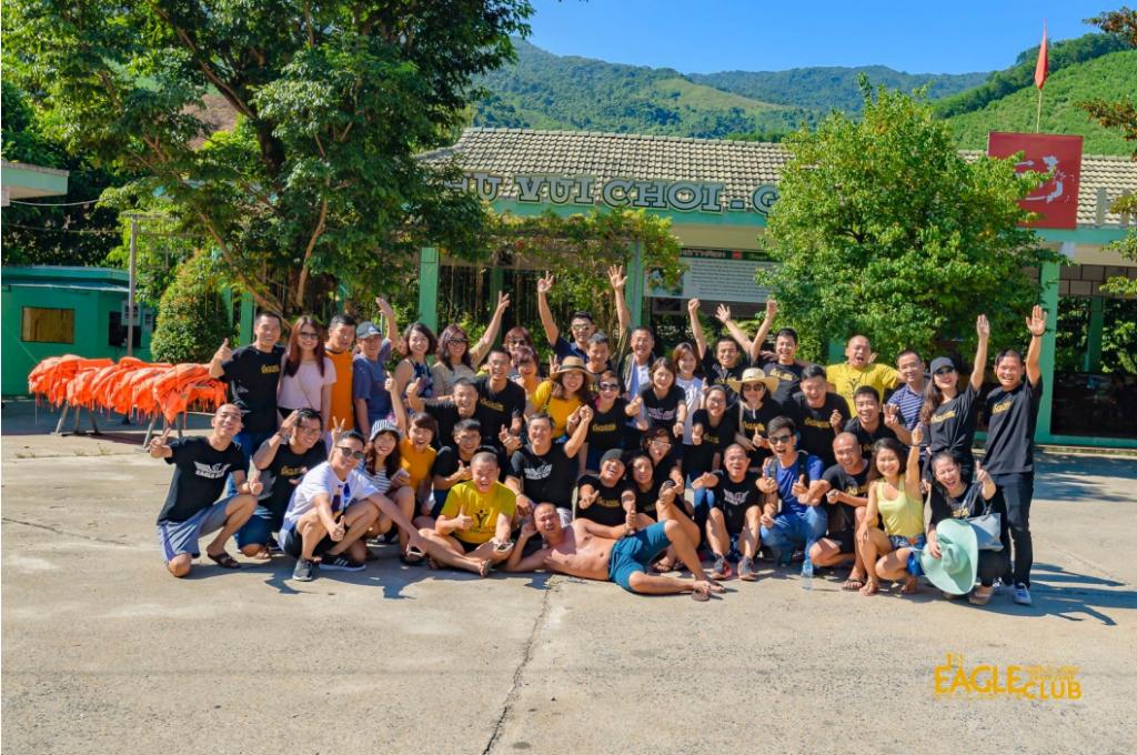 Eagle Trip Đà Nẵng: cùng các Doanh nhân trong Cộng đồng Eagle Club trải nghiệm khám phá mạo hiểm, du lịch đẳng cấp 5 sao, học cùng những chuyên gia hàng đầu TG về Speed Reading & Tài chính cá nhân