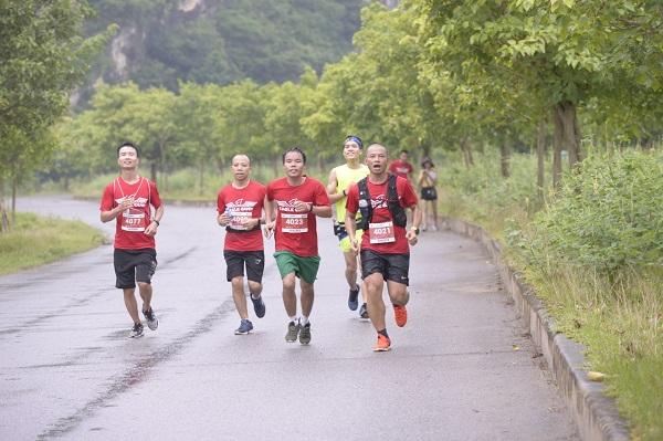 Cộng đồng Eagle Camp tham gia giải Tràng An Marathon 2018